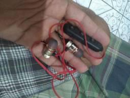 3 Fones Bluetooth novos cada um a 30 reais