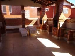 Chalé 3 suítes piscina sauna ótima localização