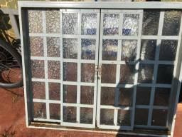 Janela com vidro