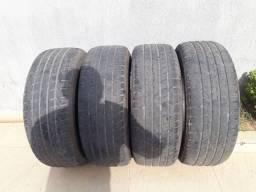 Vendo 04 pneus meia vida 265/65/17 em ótimo estado.