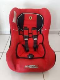 Cadeirinha para carro Ferrari