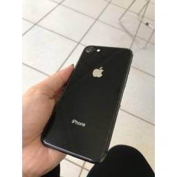 Título do anúncio: Iphone 8 - 64 G Impecável