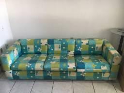 Título do anúncio: Lindo sofá estampado em cores