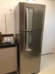 Geladeira Electrolux Duplex 382l Inox com dispenser de agua