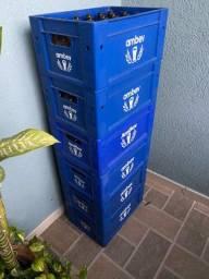 6 caixas de engradado com garrafas