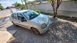 Vendo Clio sedan completo
