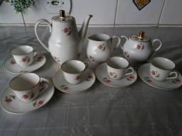 Jogo de café de porcelana Mauá