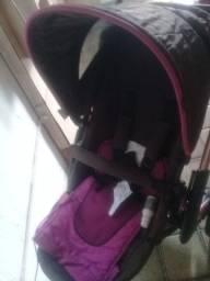 Carrinho de bebe com bebe conforto 210