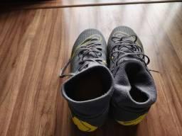Chuteira Nike mercurial seminova tamanho 39