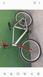 vede_se um bicicleta de aluminio