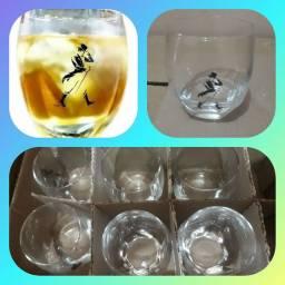 Copo drink Johnnie Walker Novo