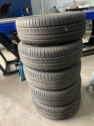 Título do anúncio: Vendo 5 pneus COM RODA **205/65 R15**
