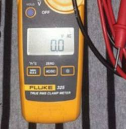 Alicate amperimetro fluk E325