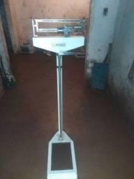 Vende-se balança Filizola 150 kg
