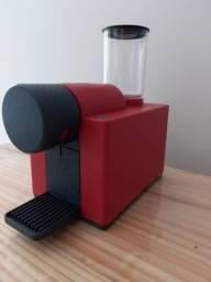 Título do anúncio: Cafeteira compacta DELTA  semi nova