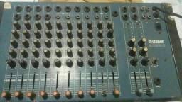 Vende-se  mesa de som com 10 saídas