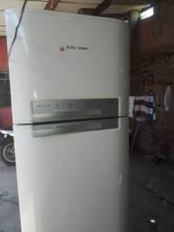 Vendo geladeira semi nova dfn50 digital