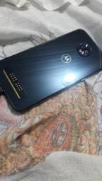 Moto Z3 Play bem cuidado (LEIA)