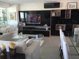 Apartamento com 4 dormitórios à venda, 217 m²