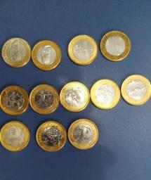 Vendo dinheiro e moedas antigas para colecionadores