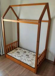 Cama cabana montessoriana com colchão