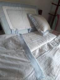 Vendo roupa de cama de bebê menino e uma cortina azul