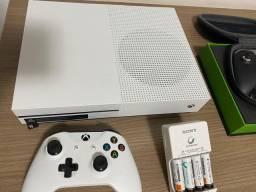 Xbox one s 500gb + dois controles