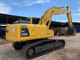 Escavadeira Pc200