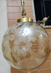 Lustre antigo em bronze estilo pingente, acompanha cúpula de cristal âmbar
