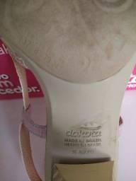 Título do anúncio: Sandália Dakota tamanho BR 37
