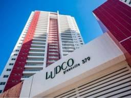 Apartamento para venda possui 135 metros quadrados com 3 quartos em Patamares - Salvador -