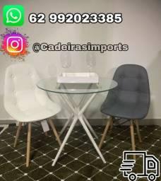 Mesa tampo de vidro com cadeiras Bottone