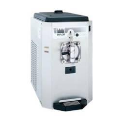 Título do anúncio: Máquina de açaí frozen / Taylor modelo 430