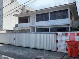 Apartamento em Manaíra com 2 quartos um prédio com portão eletrônico. Pronto para morar