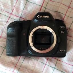 5D mark II + cartão 16gb fullframe Canon melhor q cropadas. Só falo no whats