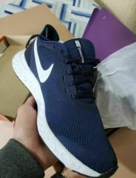 Tenis Novo Nike