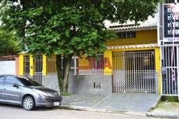 Casa com 3 Quartos (2 Suites), 2 Salas, Escritório, 4 Banheiros, Garagem, Churrasqueira, à