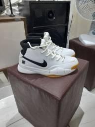 Kobe Bryant Protro size 10