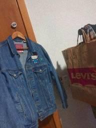 Título do anúncio: Jaqueta jeans hello kitty, levi's.