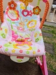 Título do anúncio: Cadeirinha infantil, com musica, usada apenas 4 vezes.