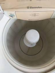 Título do anúncio: Máquina de lavar Eletrolux 08 kg