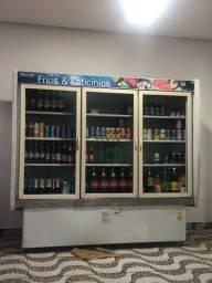 Expositor de bebida e Frios
