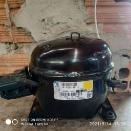 Vendo motor de geladeira usado