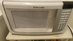 Forno de micro ondas electrolux modelo mef 41 31 litros com defeito!