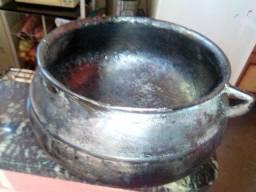 Panela de ferro e caldeirão de ferro