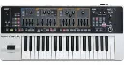 Roland Gaia sh-01 semi-novo