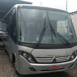 Micro Ônibus Executivo Motor MWM - Banheiro e AR 27 lugares. Muito Novo!!! Ano - 2008