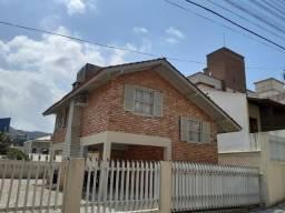 Casa com Dois Dormitórios Perto do Mar de Bombas/Bombinhas