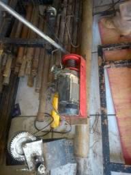 Perfurador de poço semi artesiano