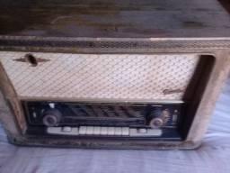 Radio antigo melodia graetz leia o anúncio